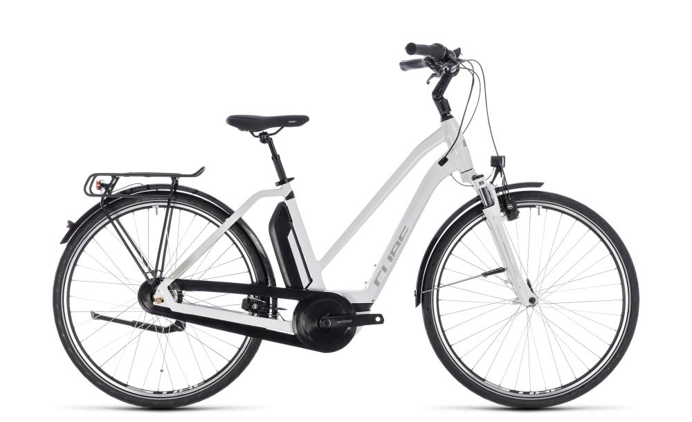 Cube Town Hybrid ONE 400 white´n´silver 2018 Größe: Trapeze 46 cm - Bikesport Scheid - Ihr Fahrradfachgeschäft im Saarland