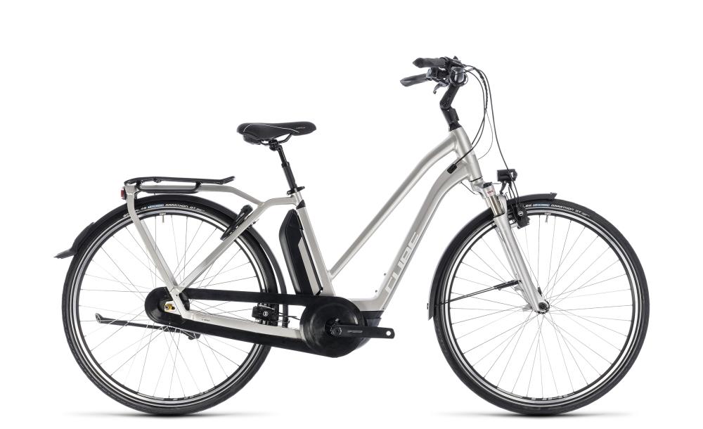 Cube Town Hybrid EXC 500 silver´n´white 2018 Größe: Trapeze 46 cm - Bikesport Scheid - Ihr Fahrradfachgeschäft im Saarland